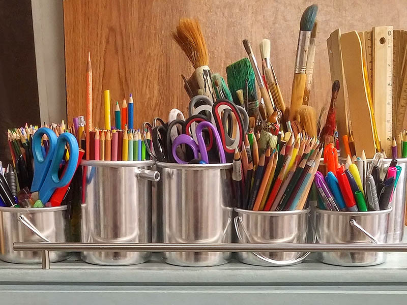 art-supplies800x600.jpg